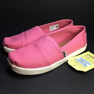 Toms size youth 4